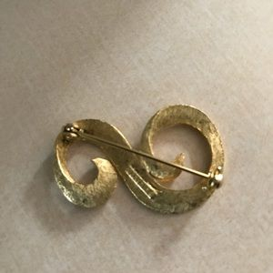 Vintage Hanselle gold plated music note brooch.
